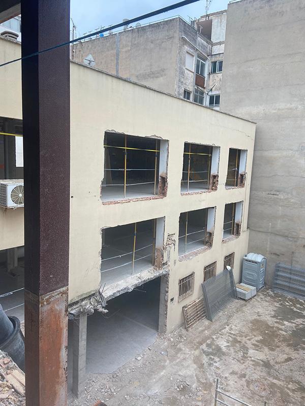 Imagen de demolición de fachada